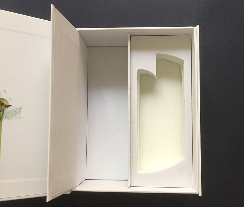 rigid paper box with foam insert